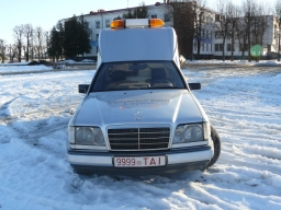 Mercedes Benz E124